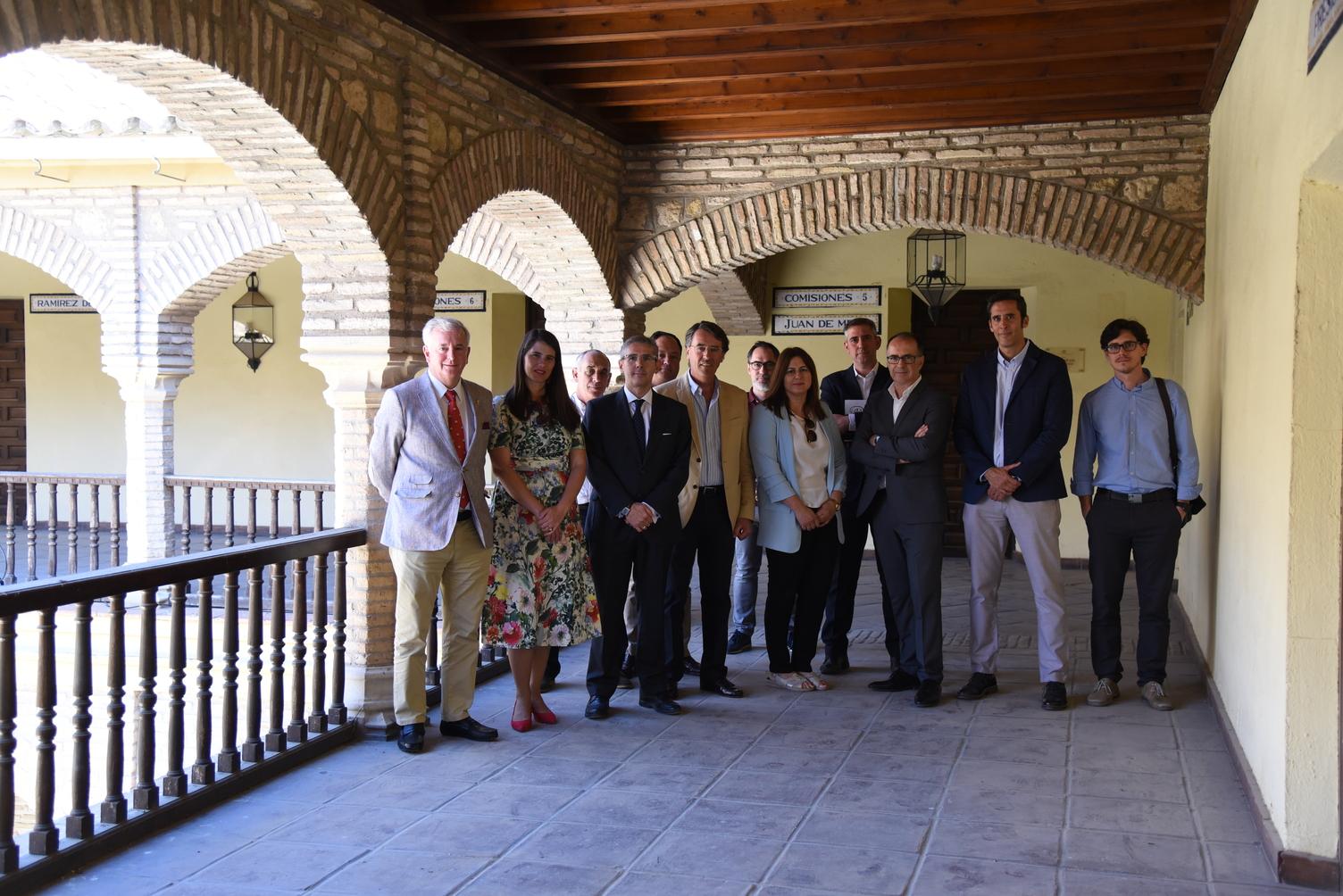 El Palacio de Congresos se reúne con la delegada de Agricultura y los Consejos Reguladores de la provincia